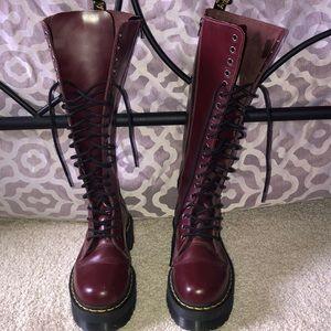 1b18558e2262f6 Dr. Marten tall boots